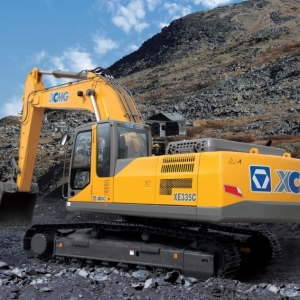 מחפר XCMG XE335C