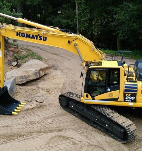 מחפר קומטסו PC290NLC-11