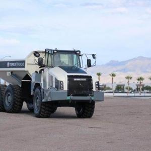 משאית פירקית טרקס TA300