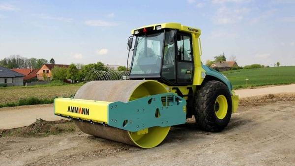 מכבש ויברציוני AMMANN ASC 130 Tier 4i