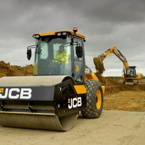 מכבש ויברציוני JCB VM137 D